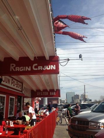 Ragin Cajun, patio, crawfish