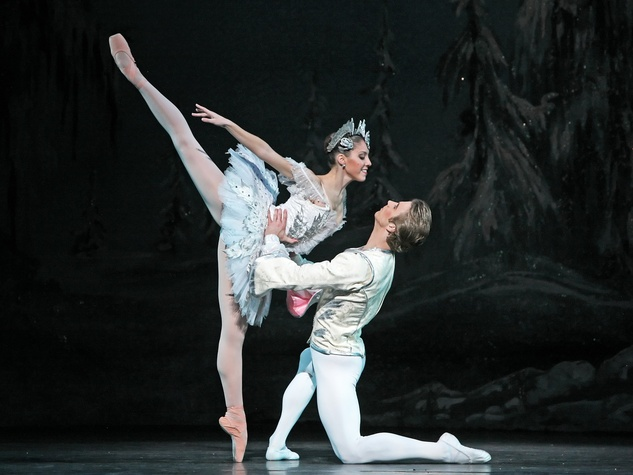 News_Nancy_Houston Ballet_Katharine Precourt_Linnar Looris_The Nutcracker