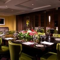 Finn & Porter Austin restaurant dining room