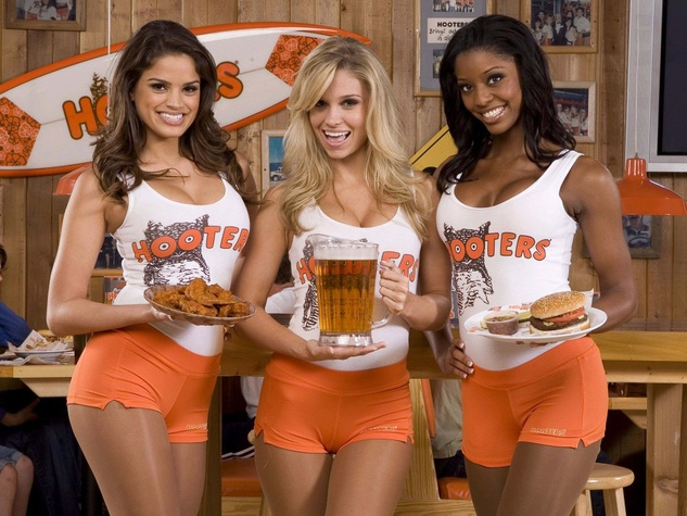 News_Hooters_girls_large