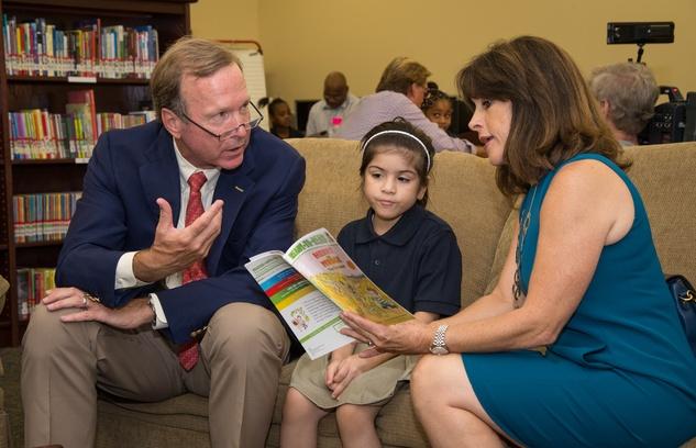 News, Shelby, AdvoCare reading event, August 2014, Neil Bush, Maria Bush