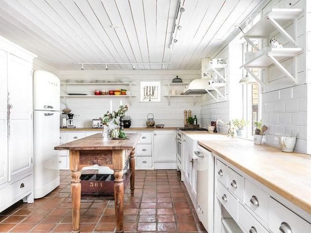 Houzz Farmhouse Kitchen Butcher Block Island White Cabinets