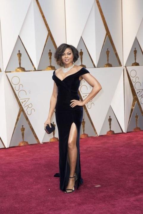 Taraji P. Henson at Oscars 2017 in Alberta Ferretti