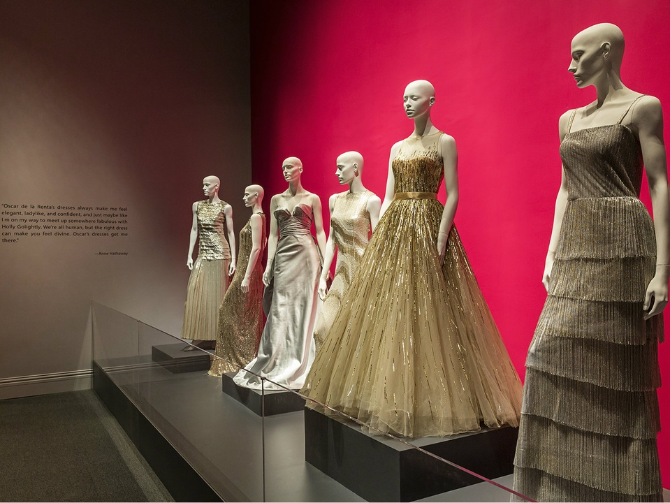 oscar de la renta, bush center exhibit