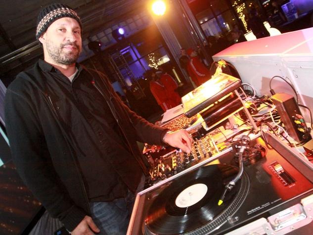 News_CM Launch Dec. 2009_DJ Sun
