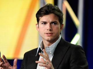 News_Ashton Kutcher_hair cut_shaved_January 2012