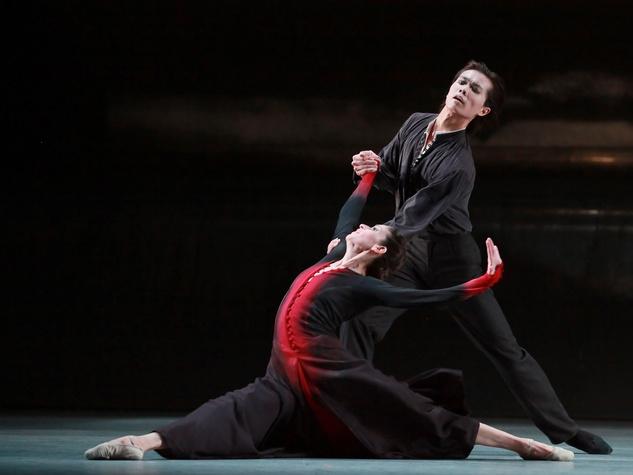 Houston Ballet Mireille Hassenboehler in Forgotten Land with Jun Shuang Huang choroegraphed by Jiri Kylian