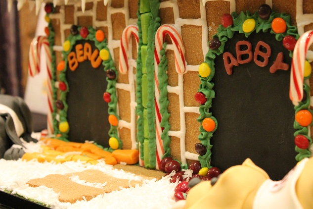 23 Play Time detail at The Woodlands cocktail reception and gingerbread doghouse auction December 2014