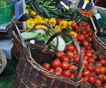 News_Paris_farmers_market_June_2011