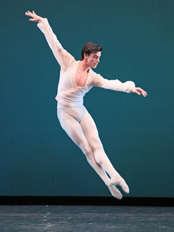 News_Joseph Walsh Dance_Ballo della Regina