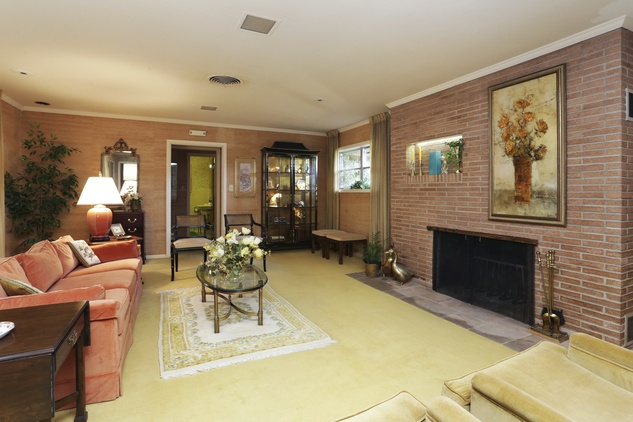 3 On the Market mid-mod ranch-style house in Brookshire 6th and Purdy streets September 2014