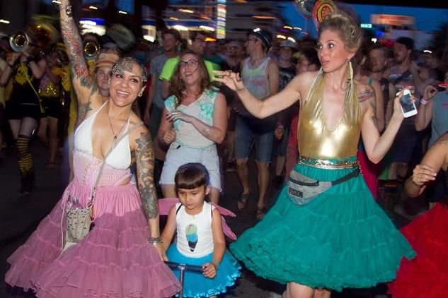 queer bomb marchers2