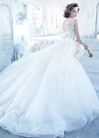 Where to shop right now 10 don 39 t miss stores bridal gown for Wedding dress sample sale houston