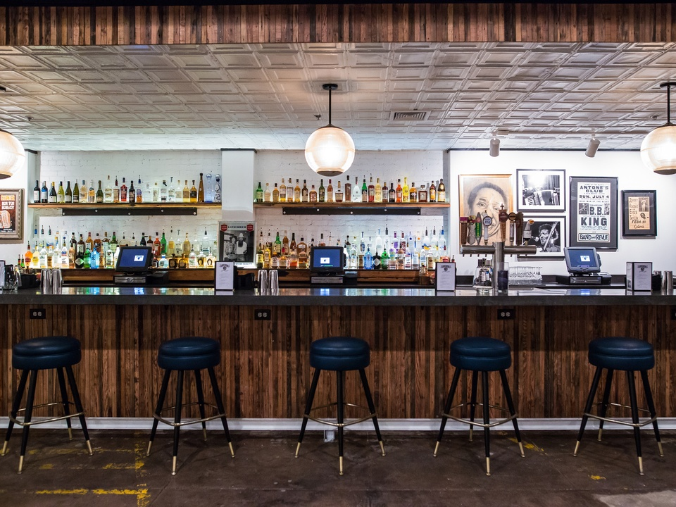 Antone's downtown venue Fifth Street 2016 bar stools