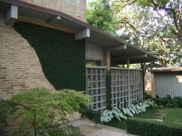 3911 Shenandoah Street in Dallas