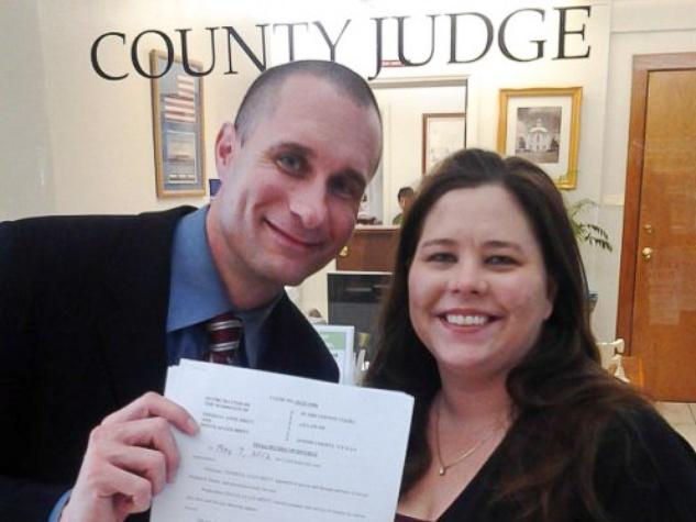 News_Devon Britt-Darby_Theresa Anne Reese Darby_divorce decree_May 2012