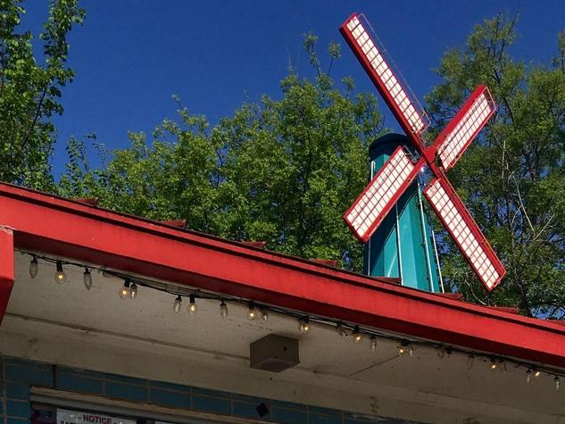 Windmill Lounge