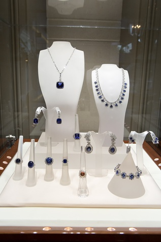 61 Sapphire and diamond jewelry at the Zadok Jewelry dinner November 2014
