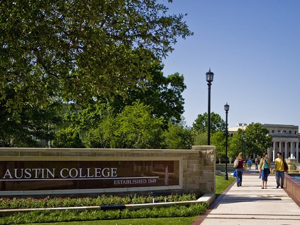 Austin College, campus, students