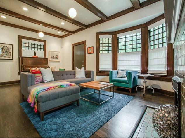 110 North Edgefield Living Room