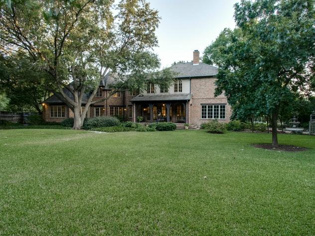 Backyard at 5433 Falls Road in Dallas