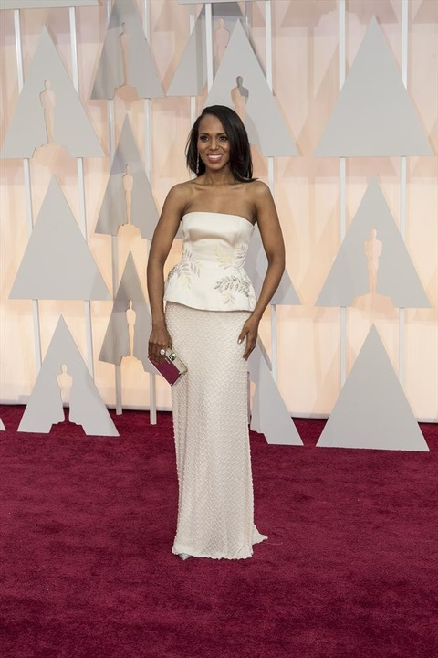 Kerry Washington on red carpet at Oscars