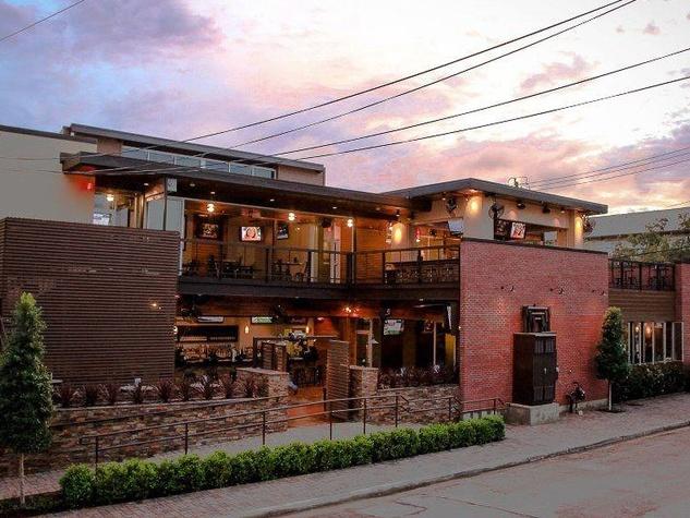 Dogwood Houston, bar, patio, dusk