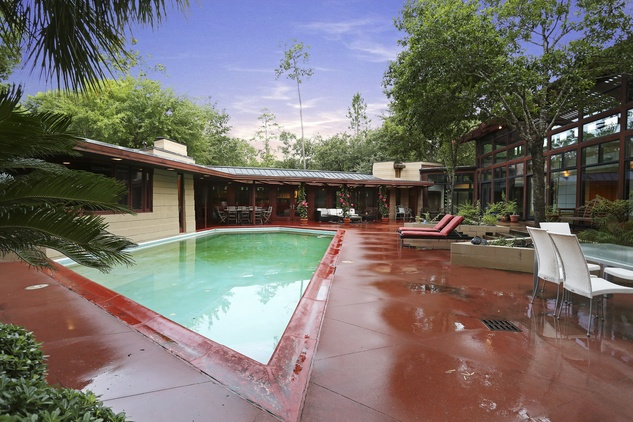 On the Market 12020 Tall Oaks St. Frank Lloyd Wright house July 2014 swimming pool