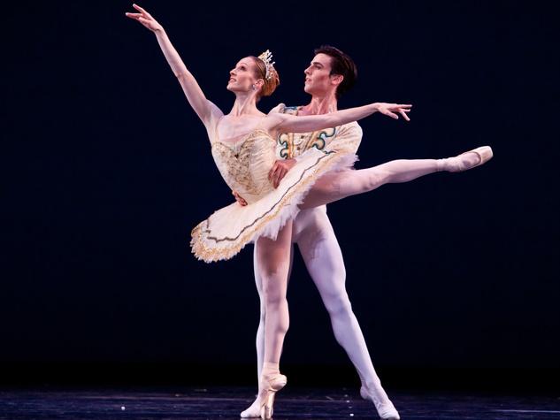 News_Houston Ballet_Theme and Variations_Joseph Walsh_Sara Webb_chor_George Balanchine