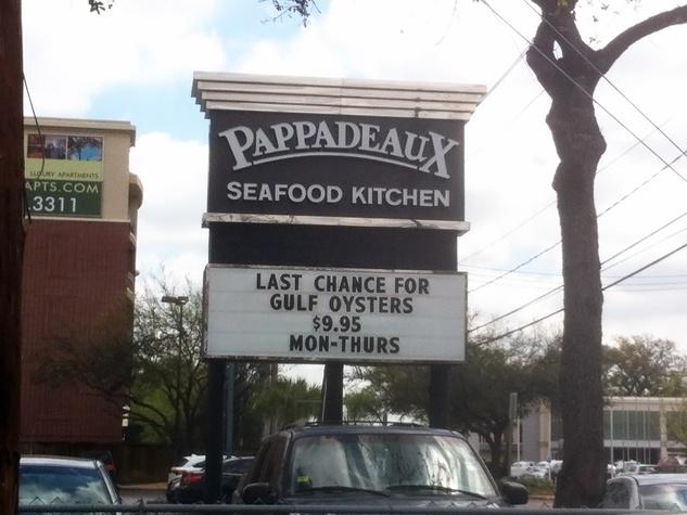 Pappadeaux Seafood Kitchen on Richmond sign