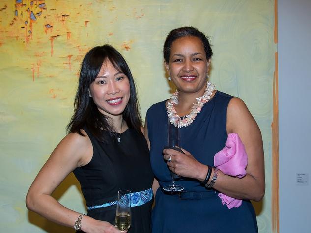 Jayne Tan, Sewit Bocresion