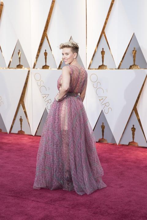 Scarlett Johansson at Oscars 2017