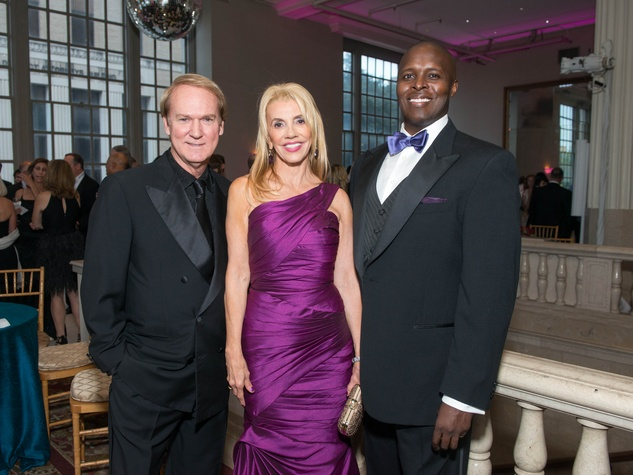 5 Evin Thayer, from left, Marie Taylor Bosarge and Kenneth Gale at Houston Symphony Opening Night Gala September 2014