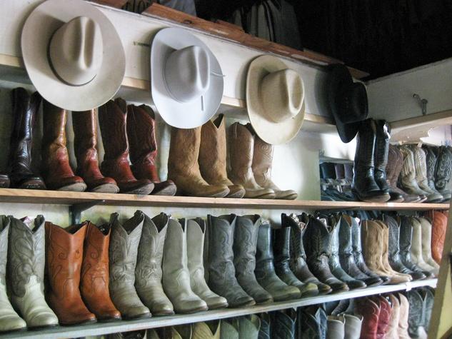 News_Peter Barnes_Texas Junk Co._boots_hats