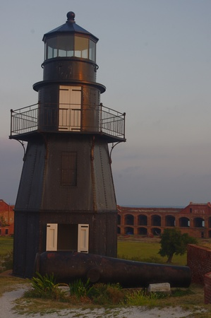 tortugas_lighthouse