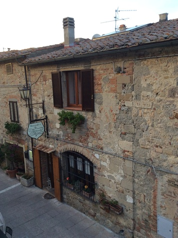 Jane Howze Italy trip Tuscany September 2014 Dinner in ancient Tuscan village Minsano