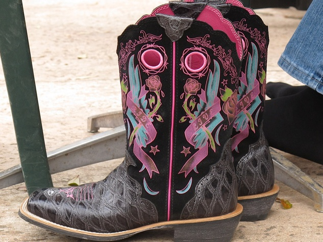 5, RodeoHouston, Larry White, boot shiner, boots resting