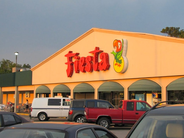 News_Fiesta_on Dunlavy_grocery store