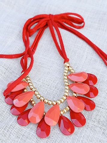 movida LARGE CORAL TEAR DROP NECKLACE