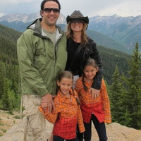 News_Javier Loya_Lucinda Loya_family
