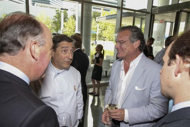 Chef Joan Roca (left) and Américas Chef Michael Cordua (right) mingled with guests at Caracol.