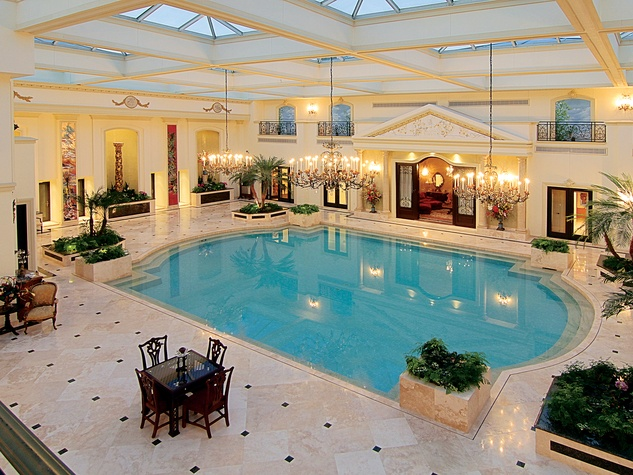 60 On the Market 2115 River Oaks Blvd. August 2014