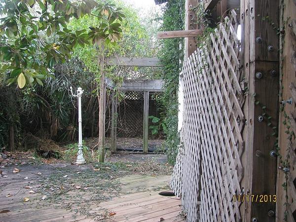 2309 Wichita patio