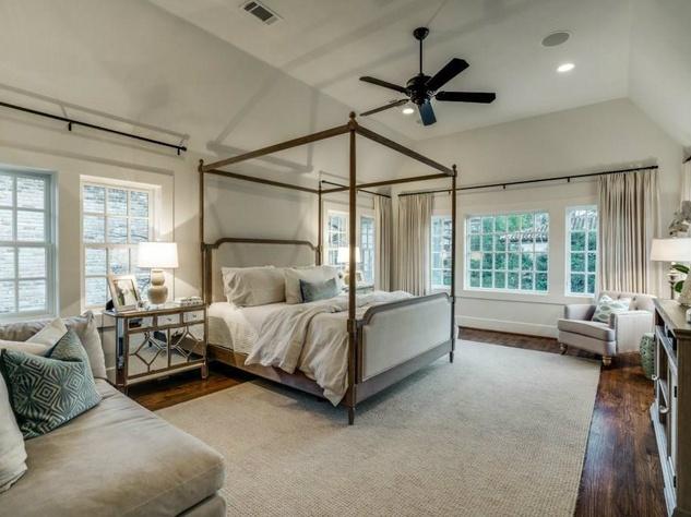 5450 Auburndale Ave. master bedroom