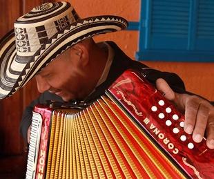 Houston Arts Alliance Uno Dos Tres, March 2013, Son Vallenato, Photo by Loriana Espinel