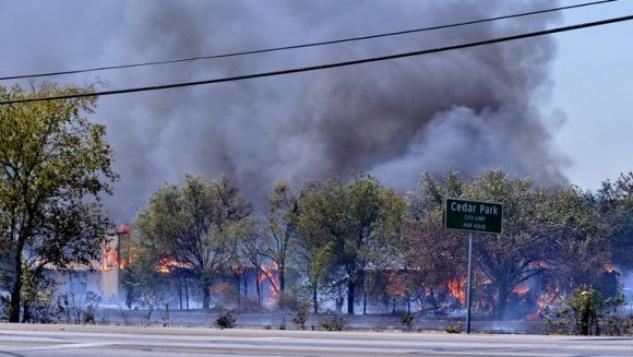 Austin Photo Set: News_KXAN_wildfires_August 2011_house