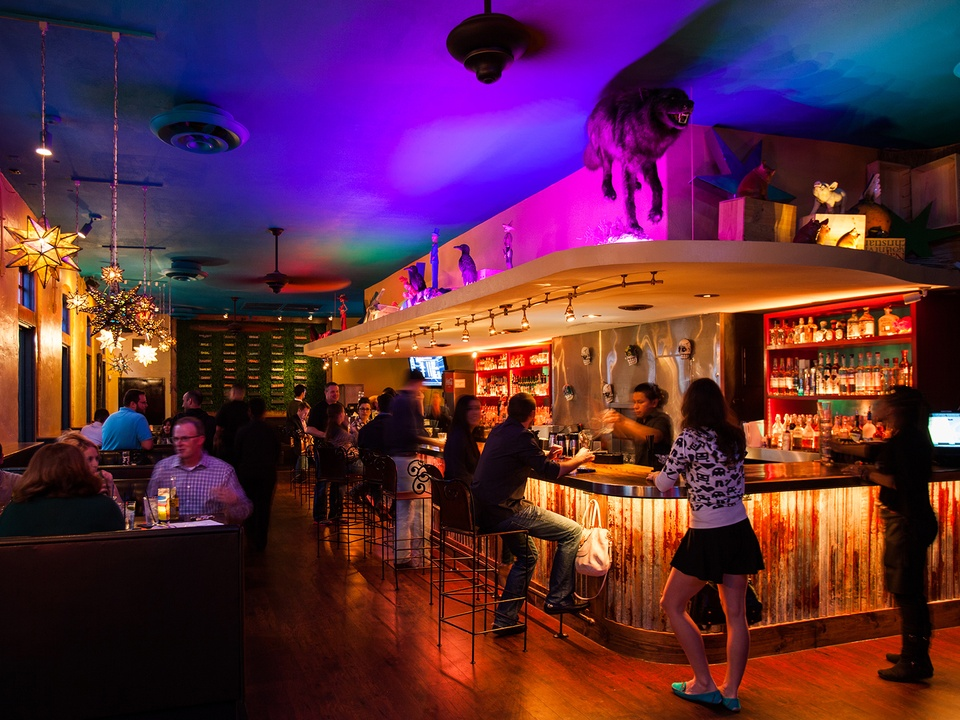El Big Bad bar interior crowd