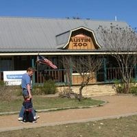 Austin_photo: places_outdoors_austin zoo_exterior