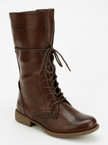 Lace up midrise boot