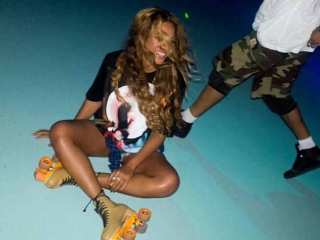 Beyonce at Houston skating rink July 2014